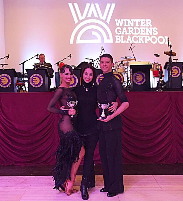 Призеры The Junior Blackpool Dance Festival 2017 British Junior Latin Championship Дарья Цыбульская и Алексей Бонковский с тренером Натальей Беднягиной